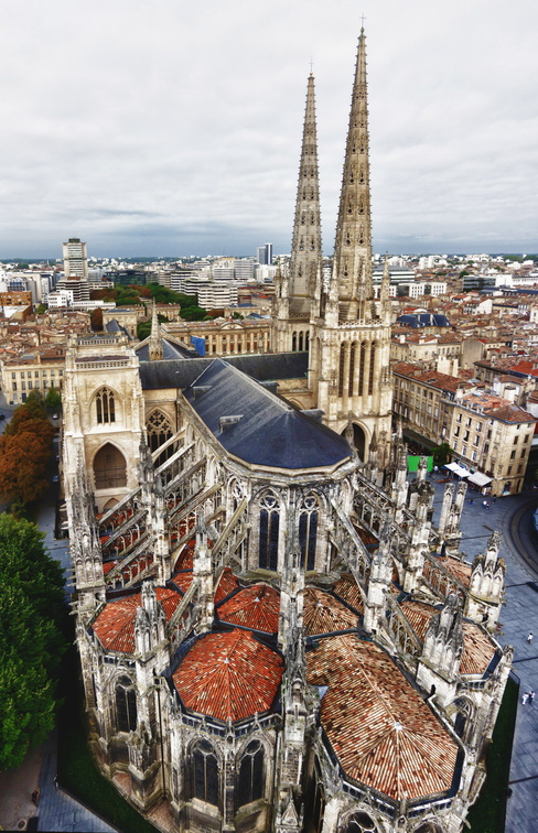Bordeaux 30 - cathedrale - pano.jpg